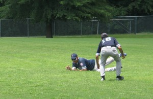 Joe Quintanilla makes a huge defensive stop in the 4th inning on a deep shot from Jose Dejesus